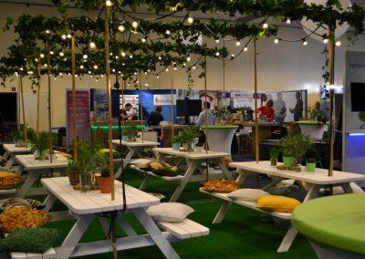 17 - VNG - Belastingconferentie - 2017 - 2-nice - Binnentuin - Groen - Urban Jungle - Outdoor - Event - Evenement - Eventstyling